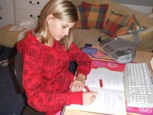 Legasthenie Mädchen beim Lernen